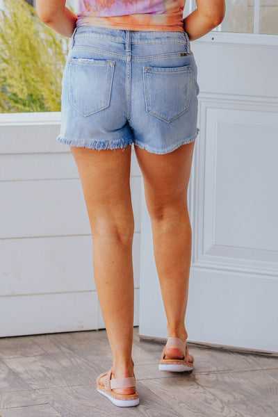 Kamy Kan Can Mid Rise Boyfriend Hit Shorts In Light Wash - Filly Flair