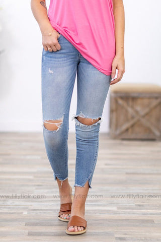 Kan Can Medium Wash Distressed Jean