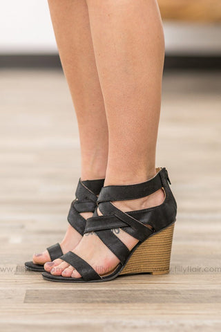Where We'll Be Double Strap Cross Toe Sandals in Black