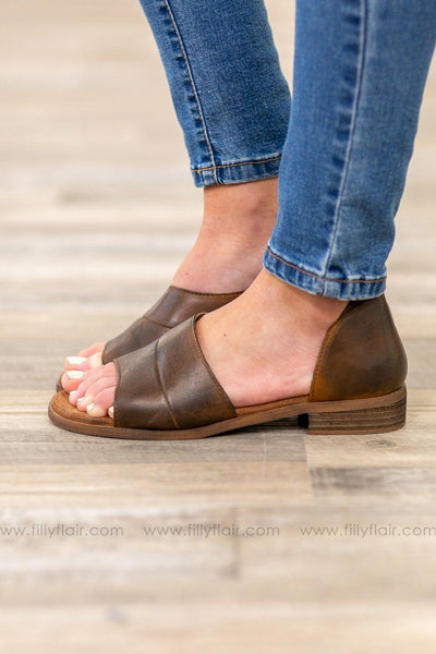 Derby City Leather Flats in Brown - Filly Flair