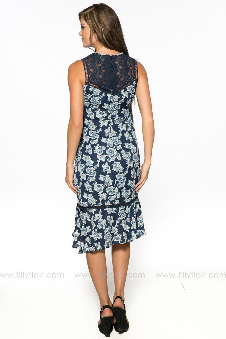 A Weekend Retreat Navy Floral Dress: Exclusive