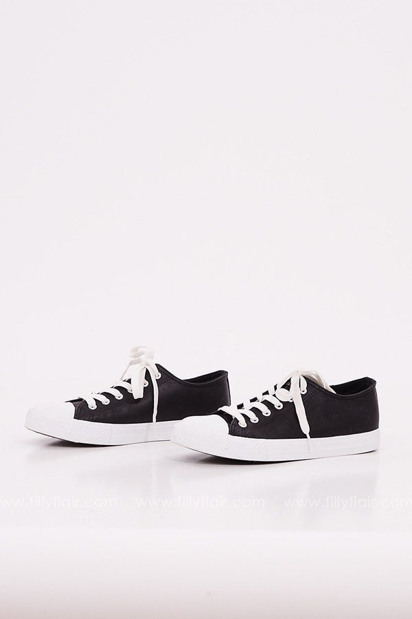 Spunky Lace Up Sneakers in Black