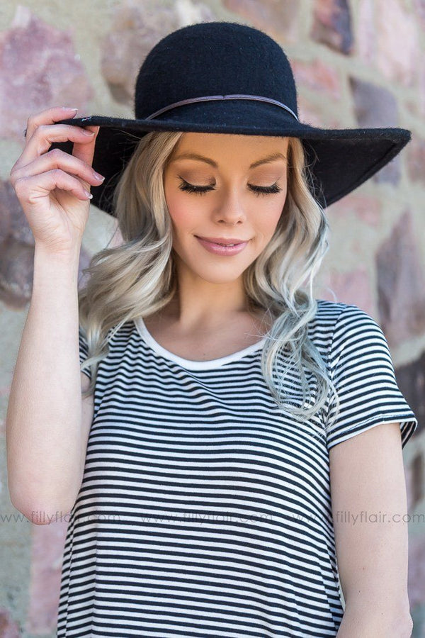Don't Accuse Me Angora Wide Brim Hat In Black
