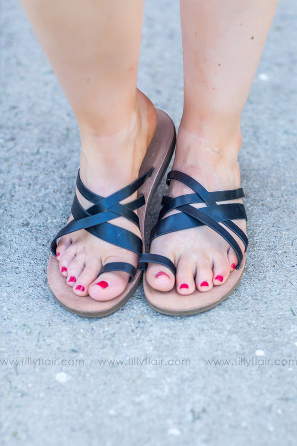 Sand Between Your Toes Strappy Flat Sandals In Black