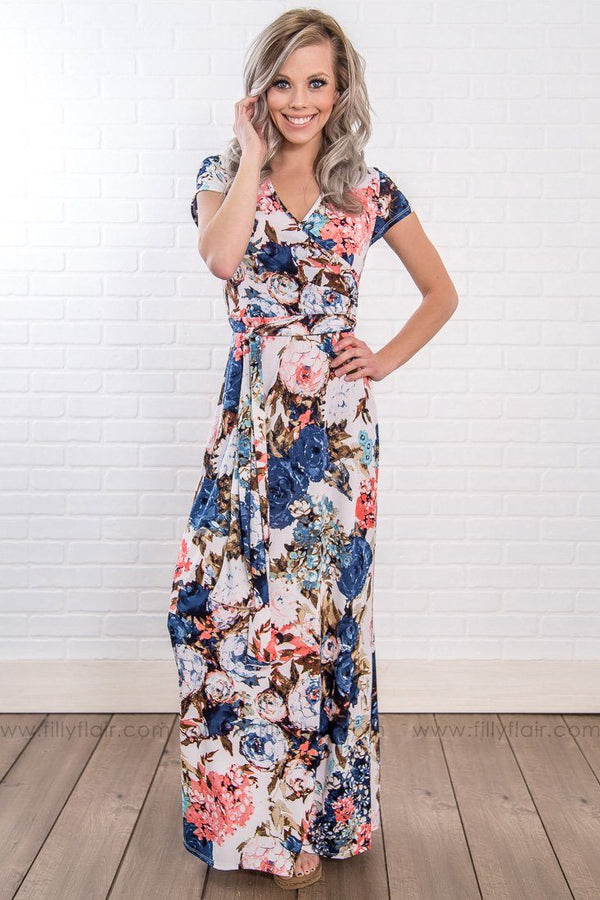 Social Butterfly Floral Short Sleeve Tie Maxi Dress In White Blue
