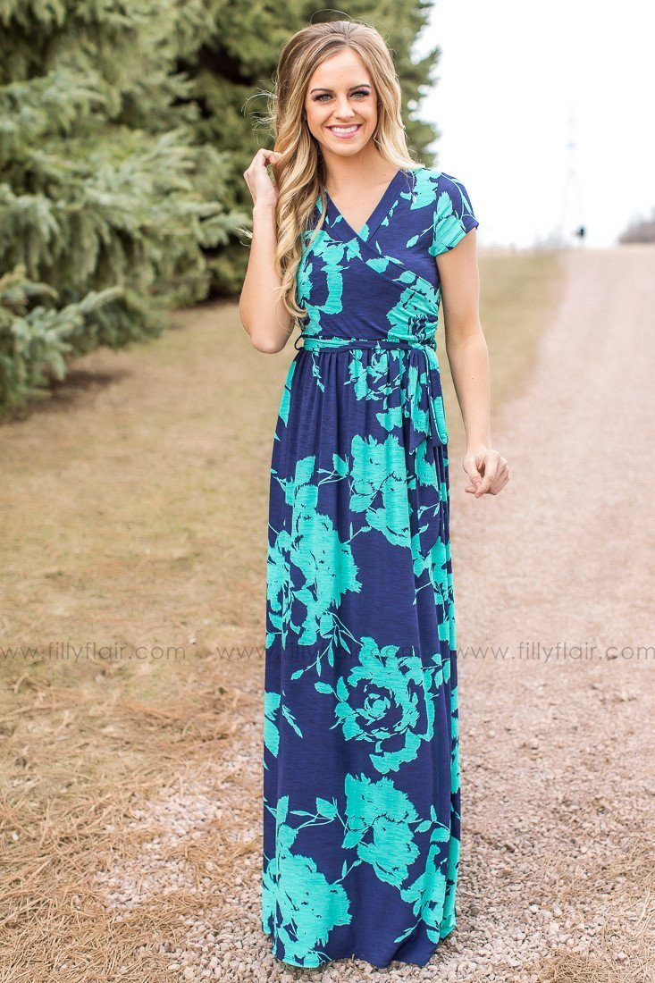 Boutique summer maxi dresses with sleeves