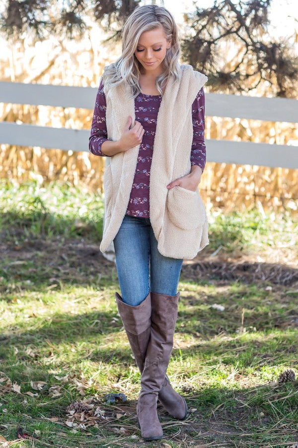 Outdoor Adventure Hooded Faux Fur Vest in Cream - Filly Flair