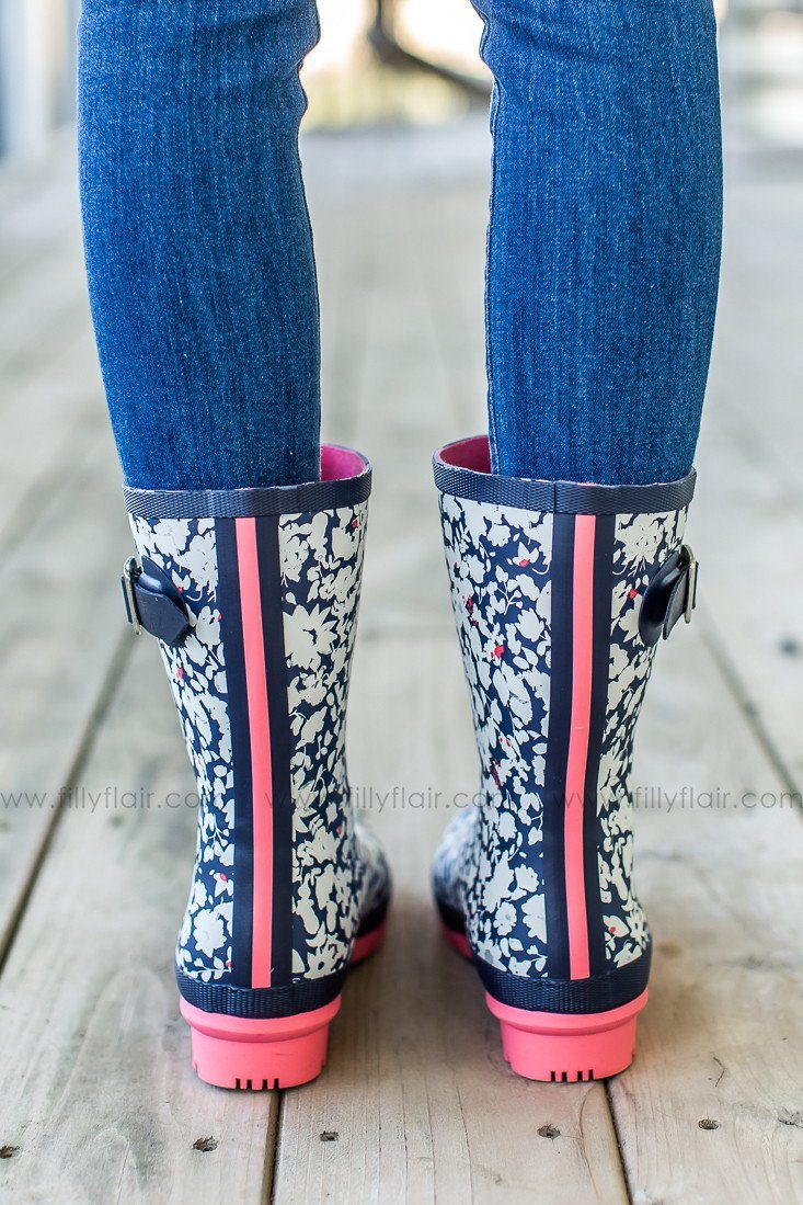 Joules mardty rain boots in pink and navy