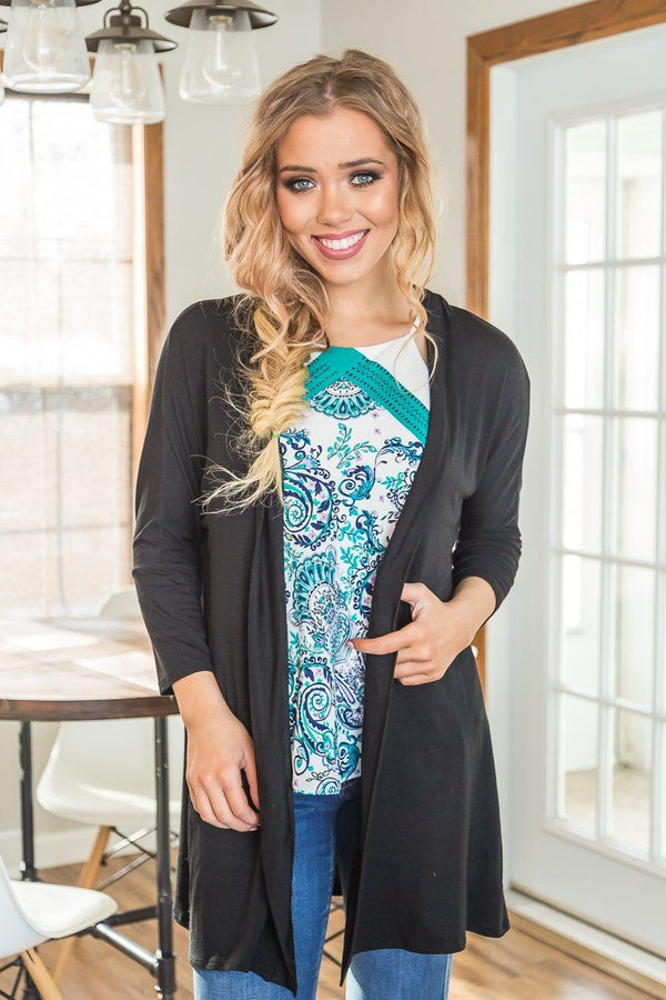 Delicate Black Solid 3/4 Sleeve Cardigan