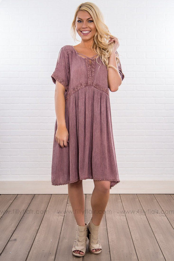 Sunshine Of Your Love Cold Shoulder Lace Dress In Mauve