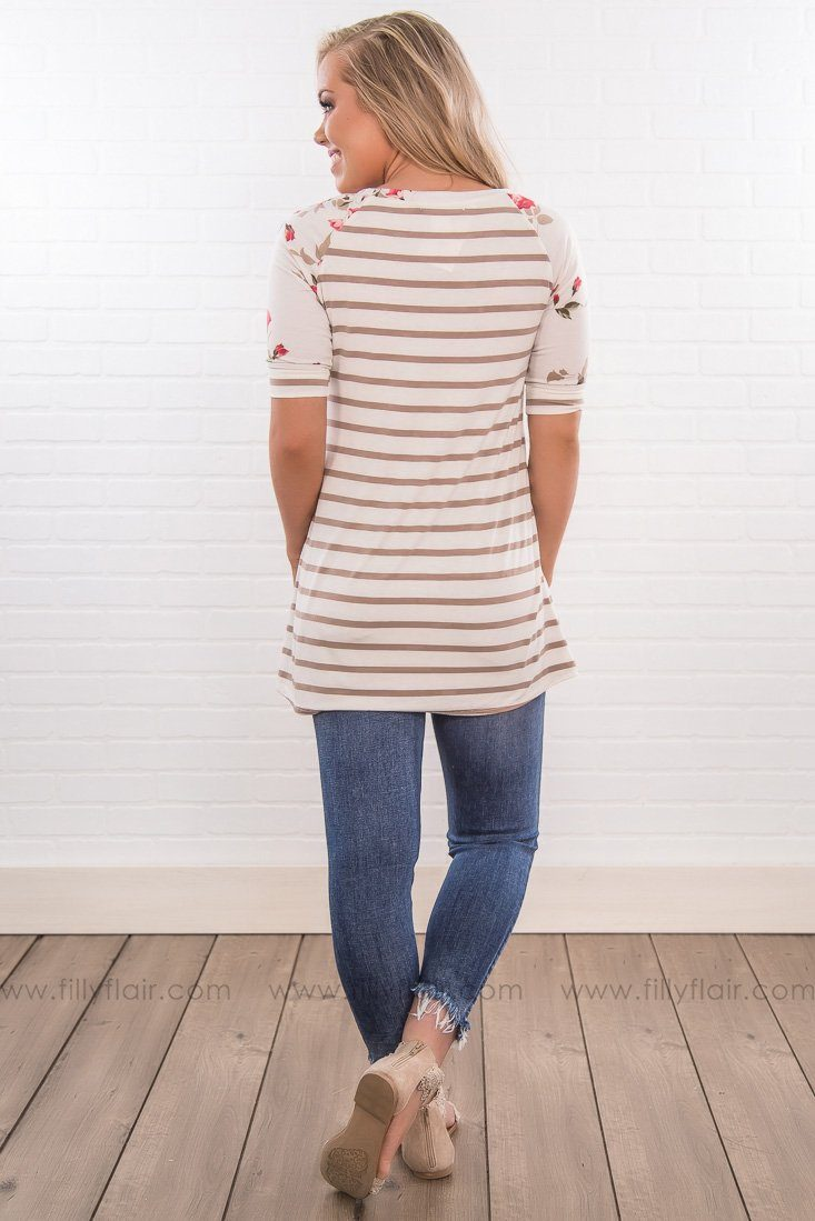 Carefree Striped Floral Short Sleeve Top In Mocha