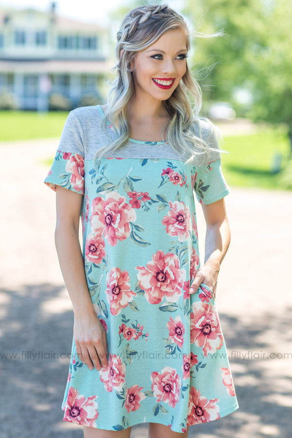 Need To Know Short Sleeve Floral Dress In Mint Grey