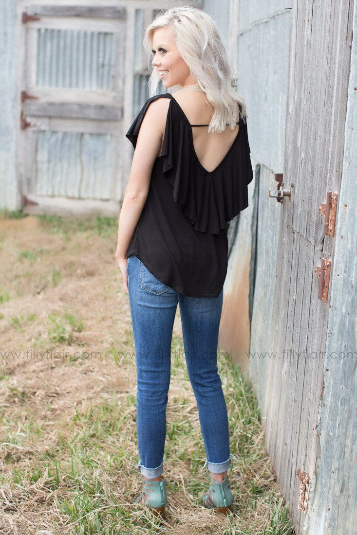 trendy and cute open back tank top in black