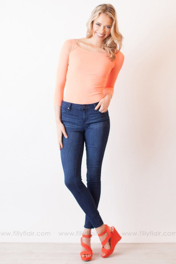 NIKIBIKI 3/4 SLEEVE SEAMLESS TOP IN PEACH
