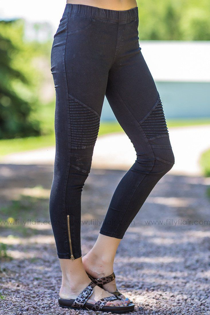 Classic Moto Jeggings in Black