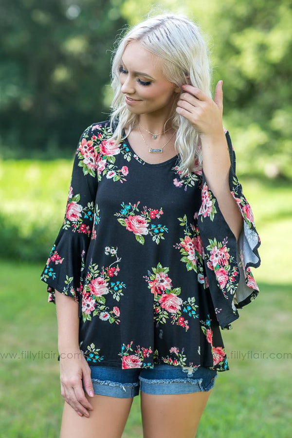 Standing Out Black Floral 3/4 Sleeve Top