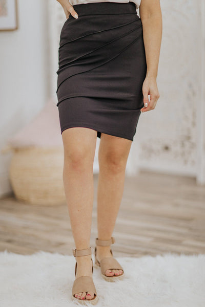 Show Others How It's Done Seam Detail Back Slit Midi Skirt in Black - Filly Flair