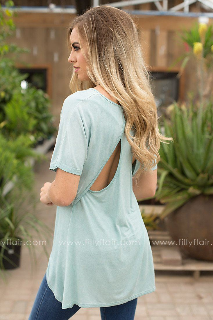 cutout back tee in mint