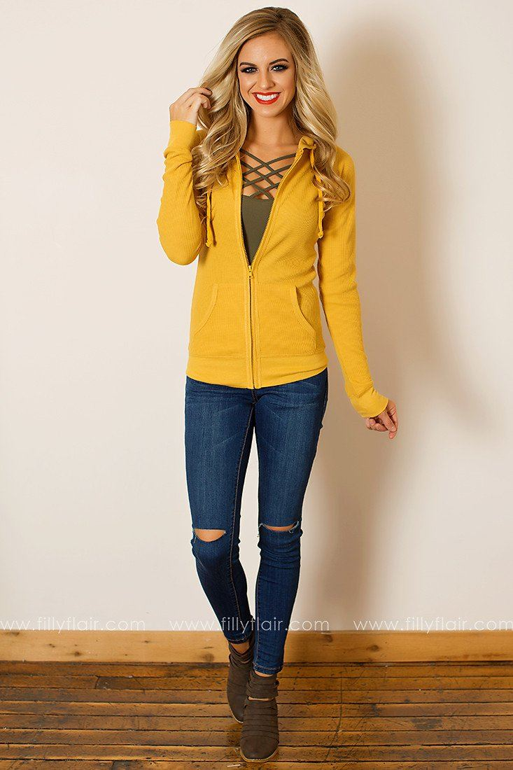 Casual Chic Hoodie in Mustard