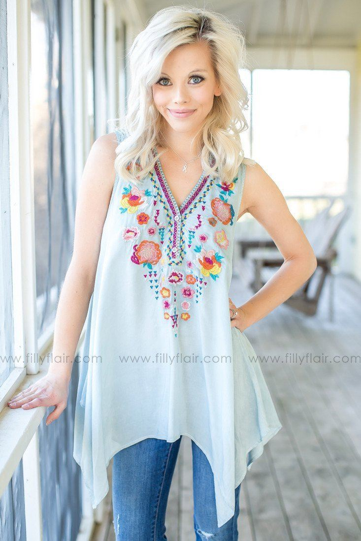embroidered trendy top in blue