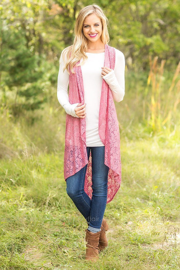 First Class Sleeveless High-Low Cardigan in Rose