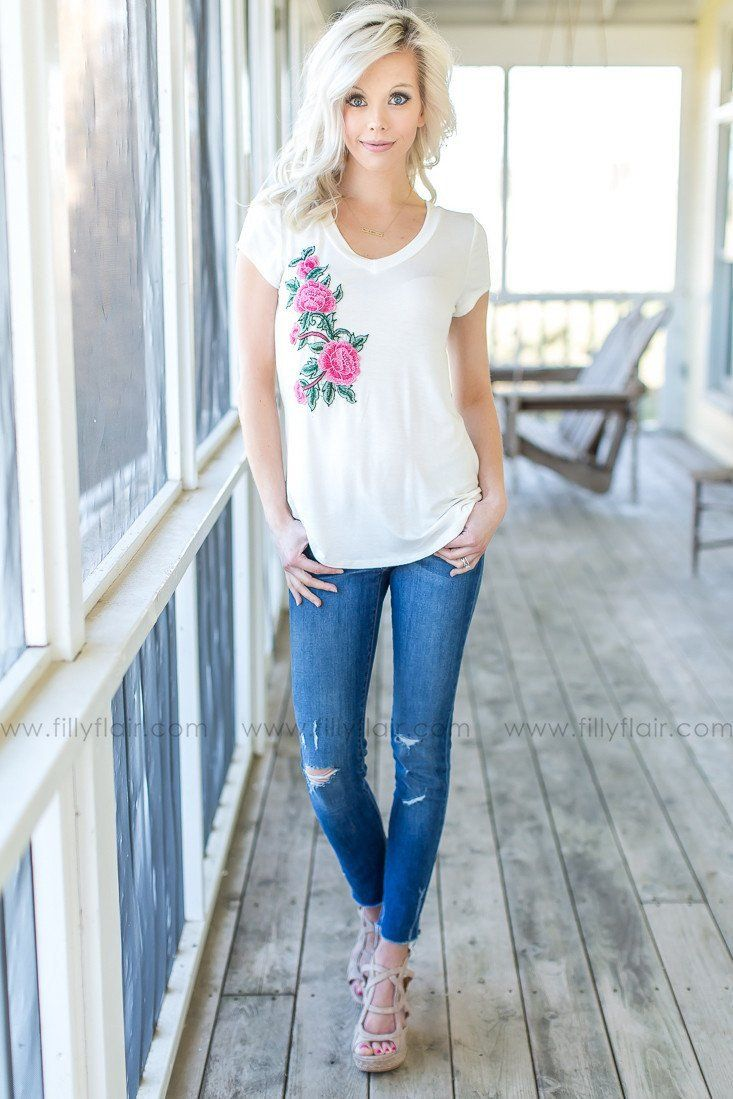 Rosebud White Floral Embroidered Top