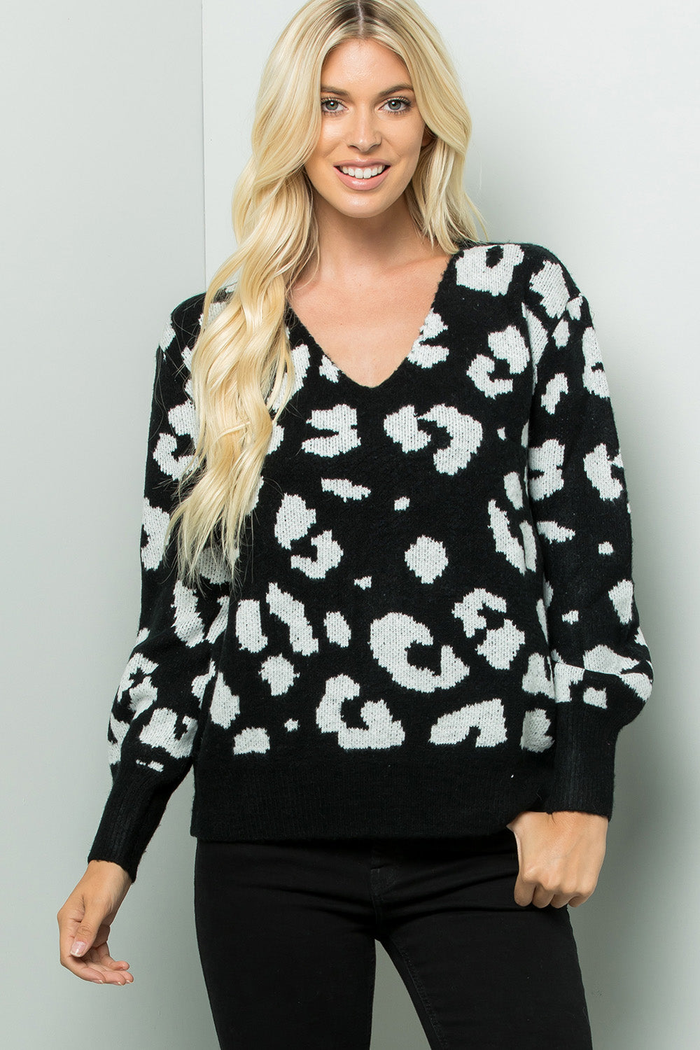 V-neck Bishop Sleeve Leopard Sweater Top - Black/Ivory