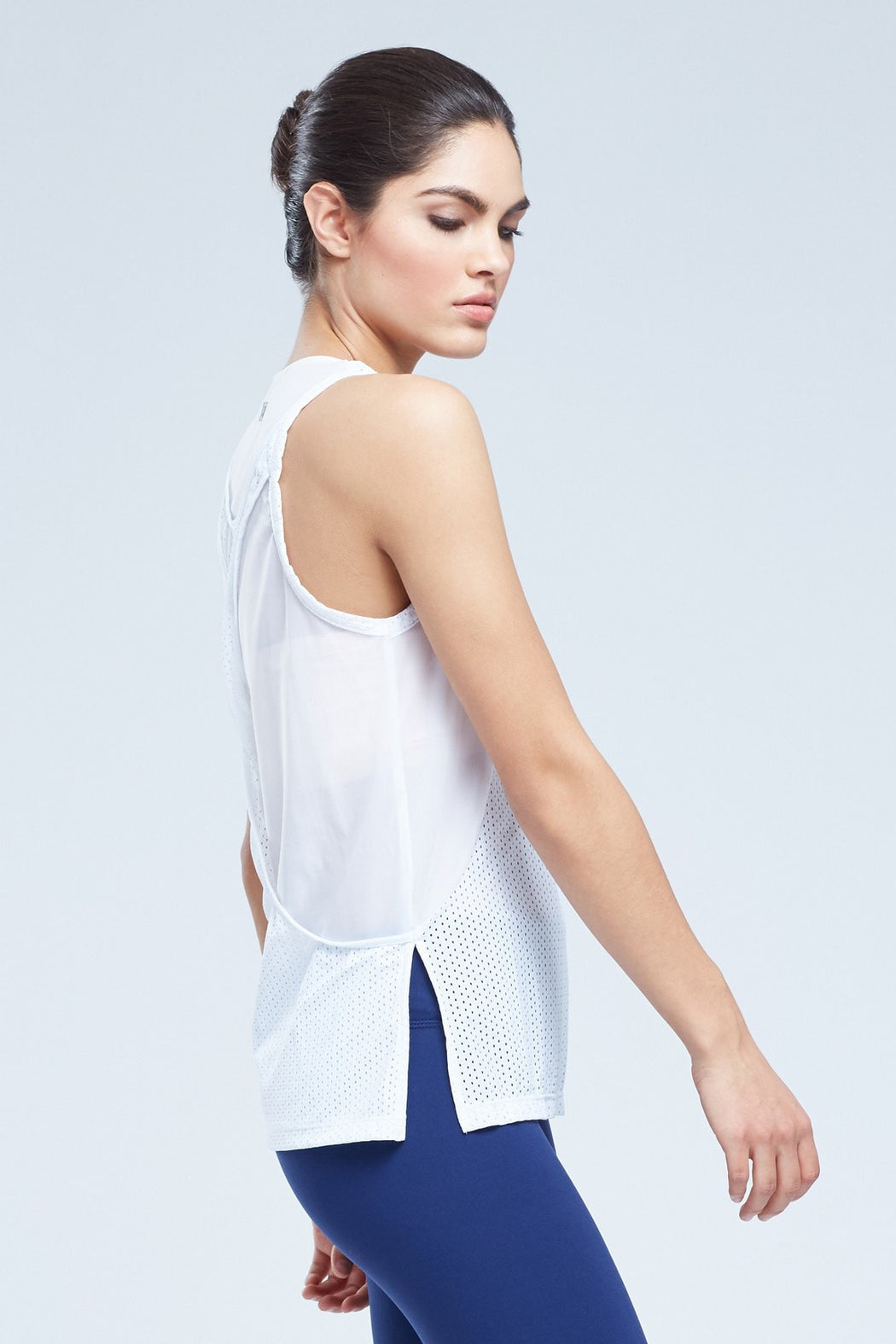 Maines Singlet Henley With Twisted Racerback