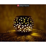 Oval brass tealight holder - Leaf pattern