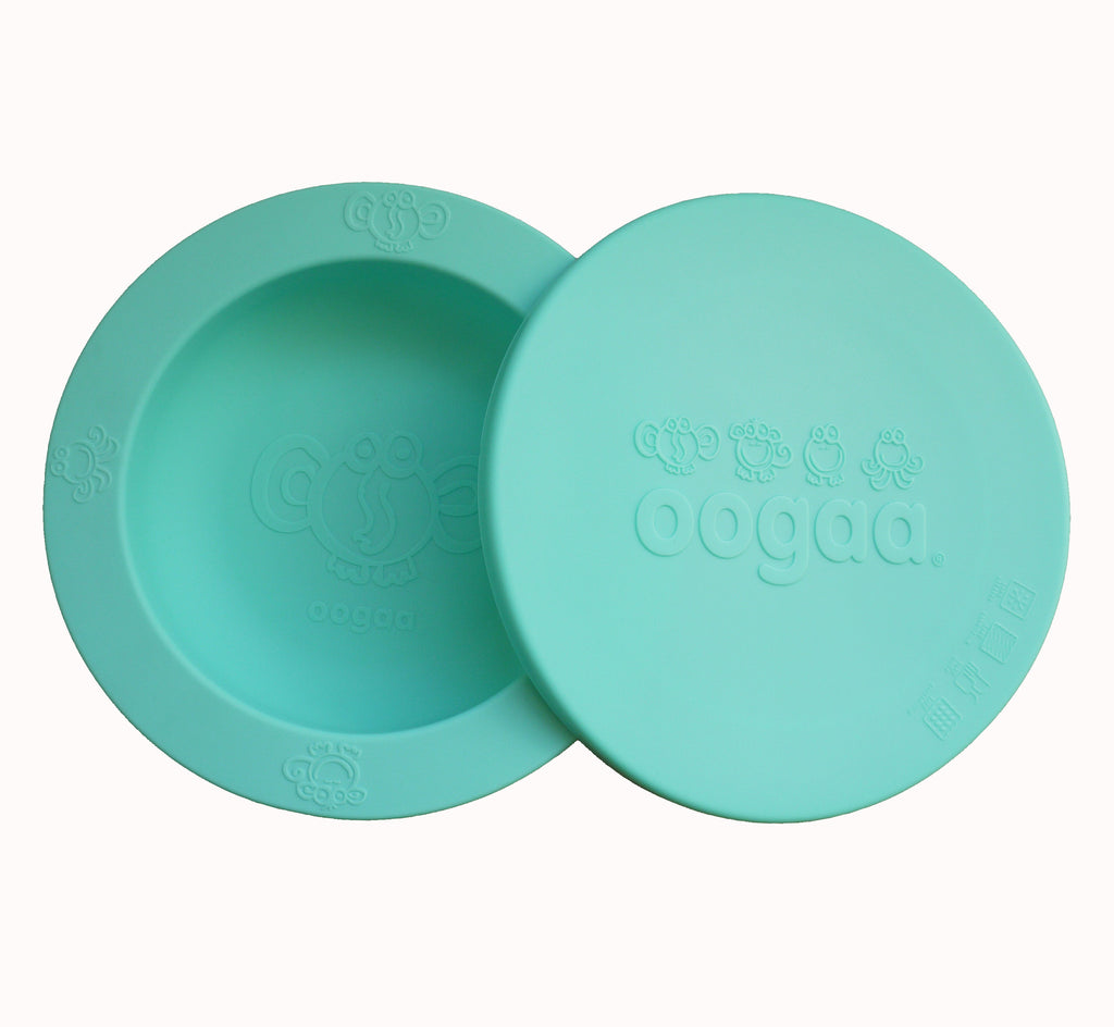 Oogaa jewel blue weaning bowl with lid half on flatlay view