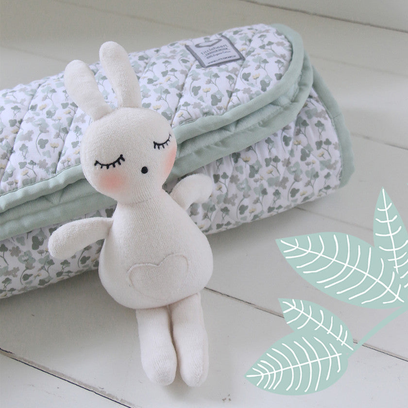 We're in love with LittleHeart Stockholm here at Little Green Home! Beautiful, Swedish design, organic cotton bedding, muslins, playmats and blankets for your nursery. Browse the collection now