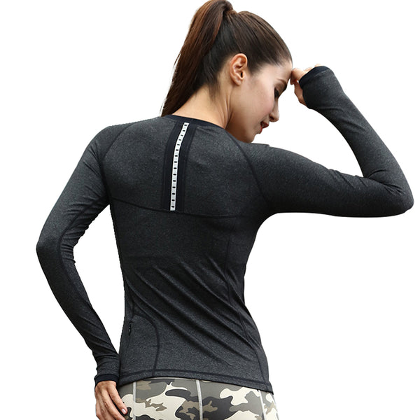 Le Nakai Women's Fitness Long Sleeve Top With Pockets And Thumb Holes - Lord's Outdoors