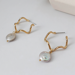 Gold Waved Shell Earring