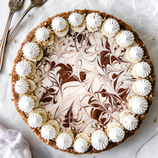 a vegan Banana Split Tart