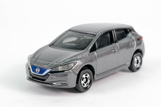 879756 NISSAN LEAF (1ST COLOUR)