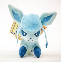 GLACEON ON SHOULDER