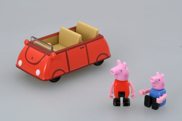 Dream Tomica Peppa Pig x Family Car (Red) [Peppa only]