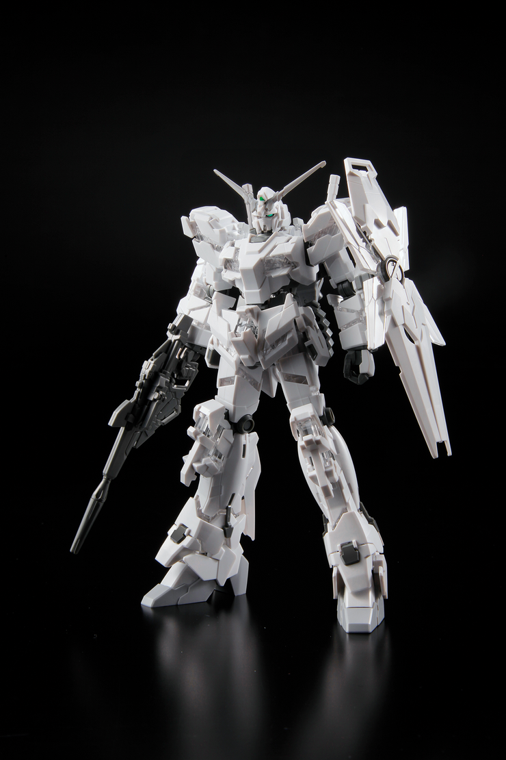 Hg 1/144 The Gundam Base Limited Unicorn Gundam (Painting Model)