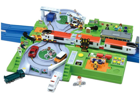 PLA RAIL LET'S PLAY WITH TOMICA! DX CROSSING RAIL STATION
