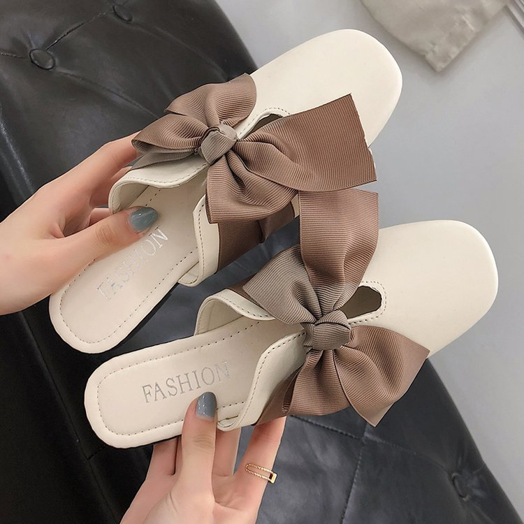 New flat-bottomed bow with low heel p4120
