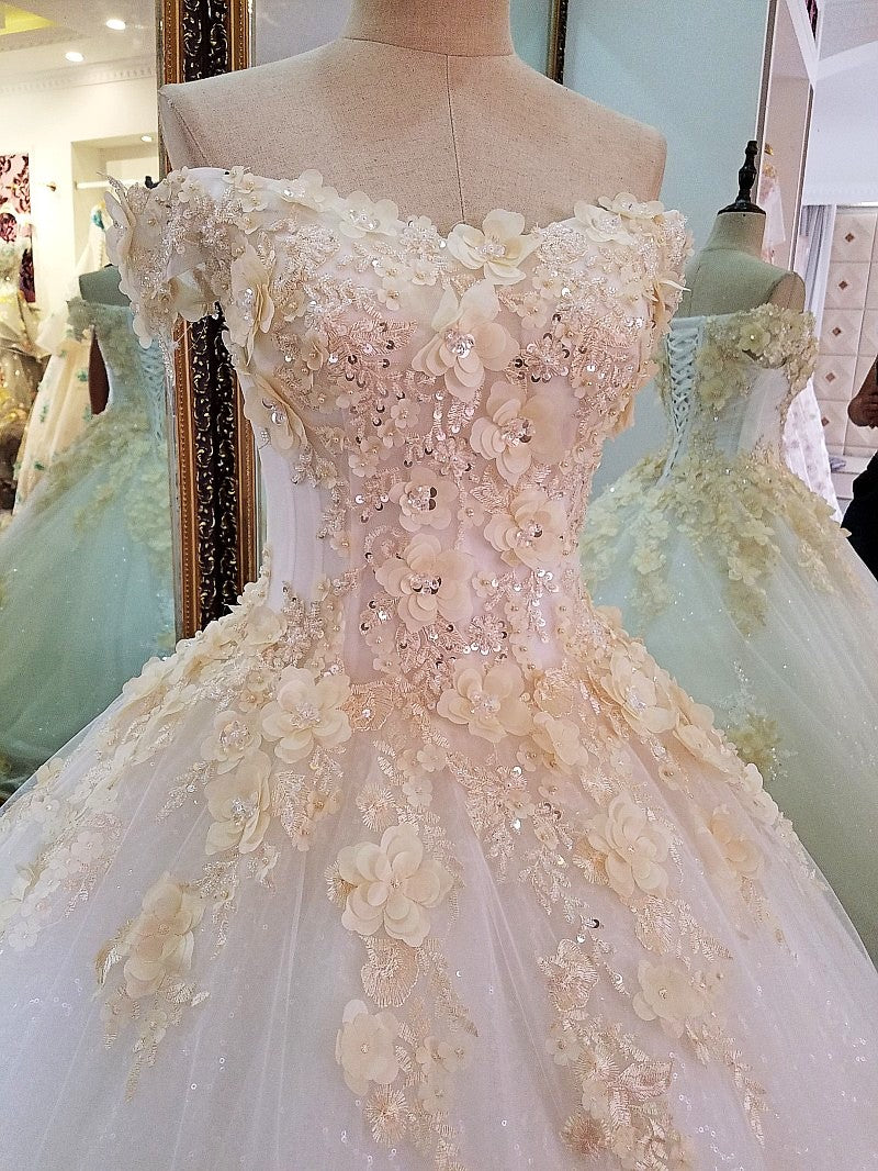 New Luxury Wedding Dress High-end The Bride Married Lace Flower A-line Long Wedding Gown Custom p3471Buy mate