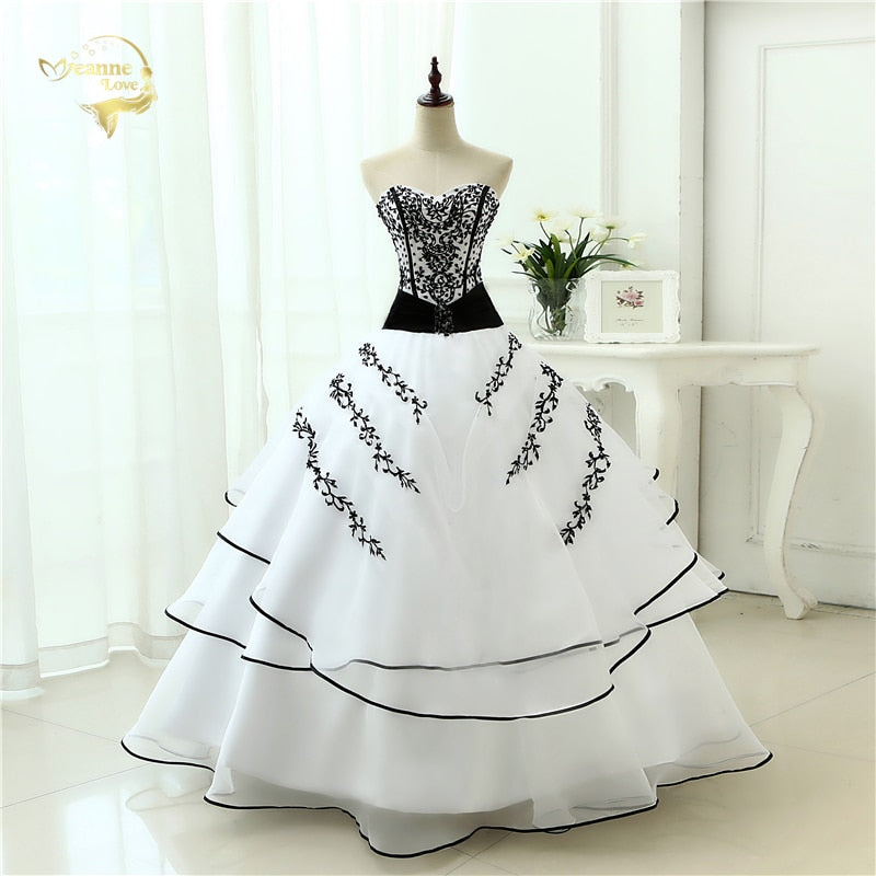 New Arrival  Wedding Dresses Classical A line White Black Women's Vintage Ball Gown  P3708