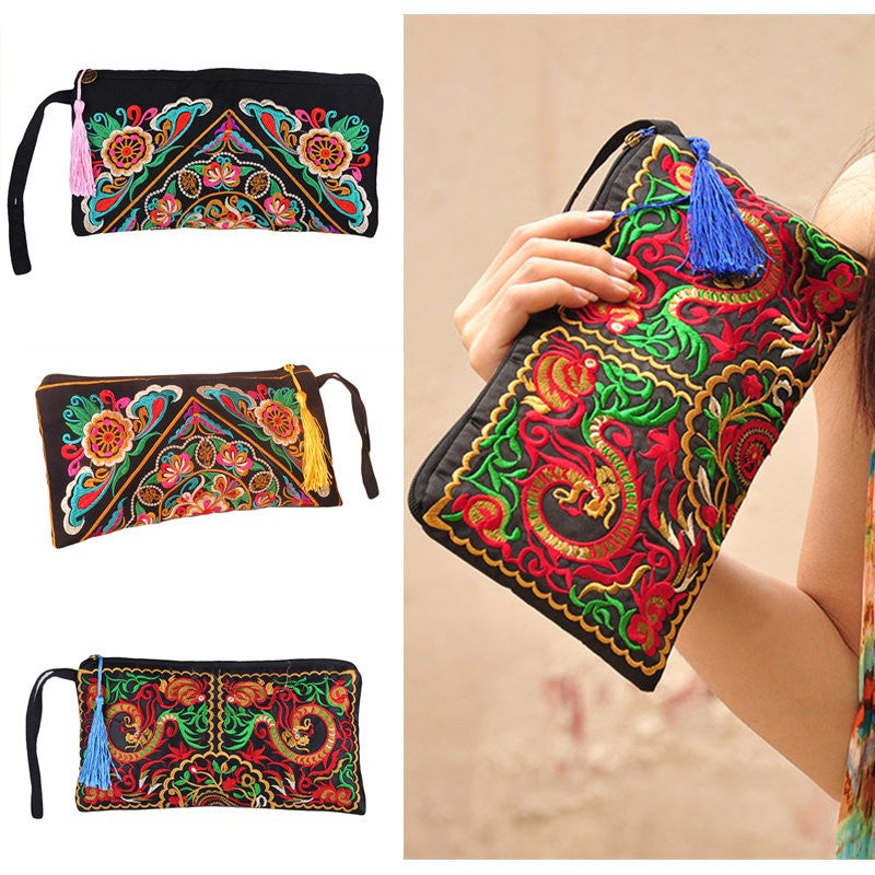 New Fashion Women Clutch Bag Embroidery Contrast Wrist Strap