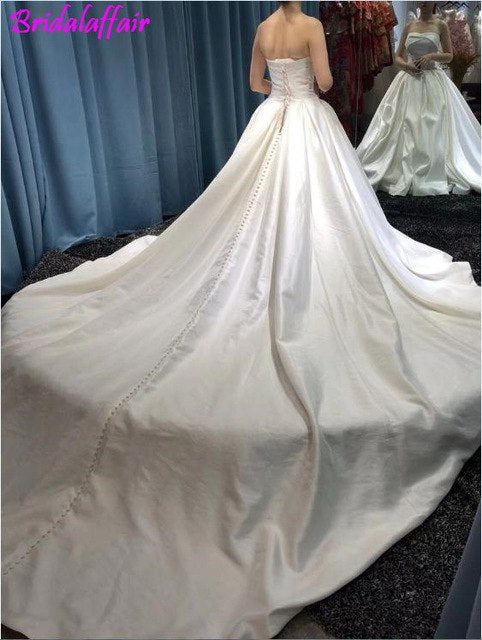 Custom Color Size Sleeveless Vest Dress  Backless Sexy Lunga Coda Bridal Gown Long Tail Wedding Gown p3616same photo / Custom Size / 200cmBuy mate