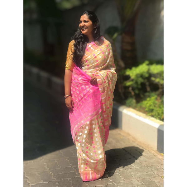 Jamdani Saree with Booty - Indianloom
