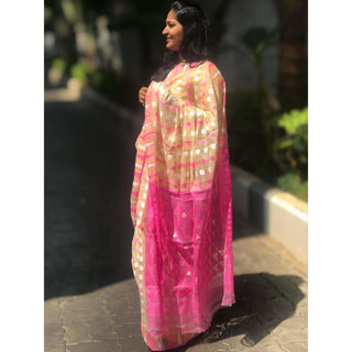 Jamdani Saree with Booty