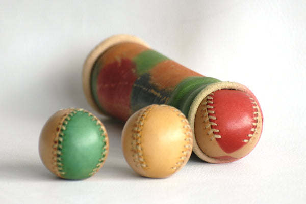 Set of 3 leather juggling balls and case, for jugglers, Juggling balls, Leather balls, 45mm