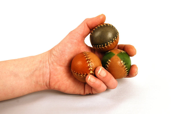 Set 3 Leather Juggling Balls, Juggling Balls, Learn to juggle, Gift for jugglers, 45mm.
