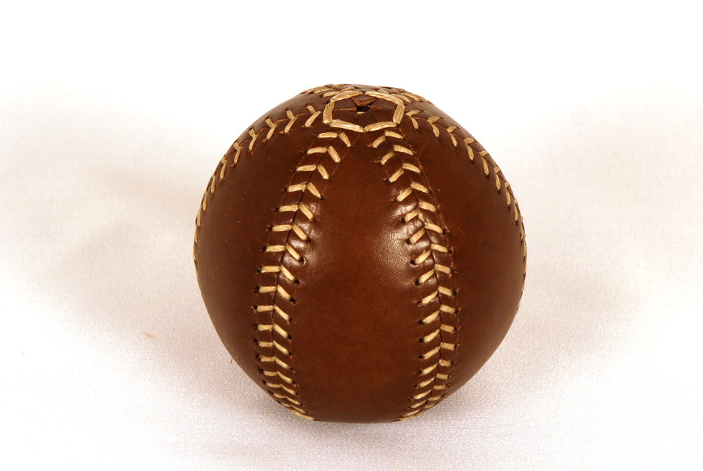 Oiled leather ball, Six-petalled template, 75mm, 170gr, Spanish leather.