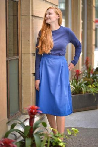 Pleated long skirt royal blue